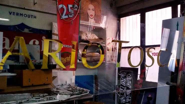 Insegne artigianali a Torino. Chi ti dà 100 anni d'esperienza?