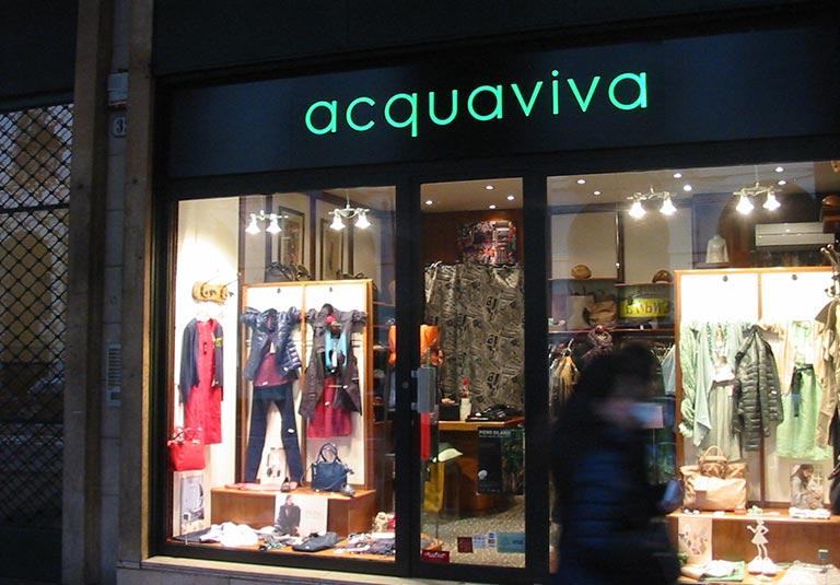Insegne negozi a Torino. A chi rivolgersi per non sbagliare?